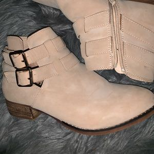 call it springs low top boots